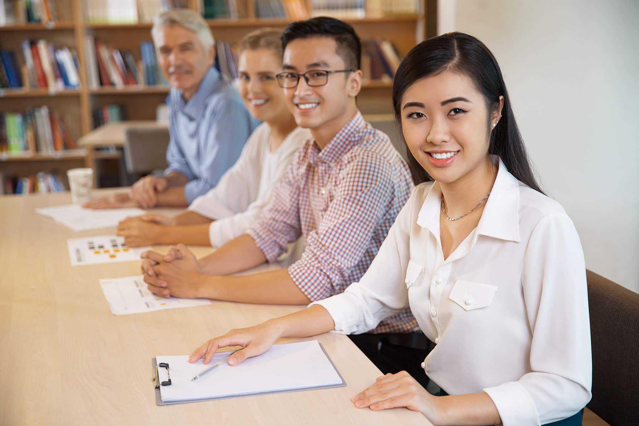 Thảo luận nhóm management trainee - 5 tiêu chí đánh giá và 4 cách tỏa sáng